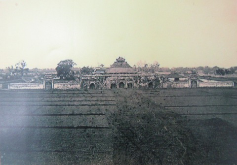 003.Lầu Đoan Môn (1884 – 86). Ảnh- Hocquard.